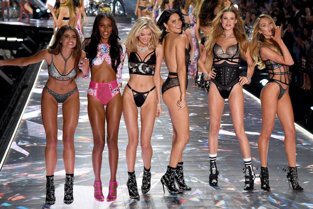 Su that kinh hoang ve viec giam can cua cac victorias secret fashion show 2018 1 1597539144430 1625800770 11 width1000height667 Thiên thần Victoria's Secret tiết lộ gây sốc về chuyện giảm cân