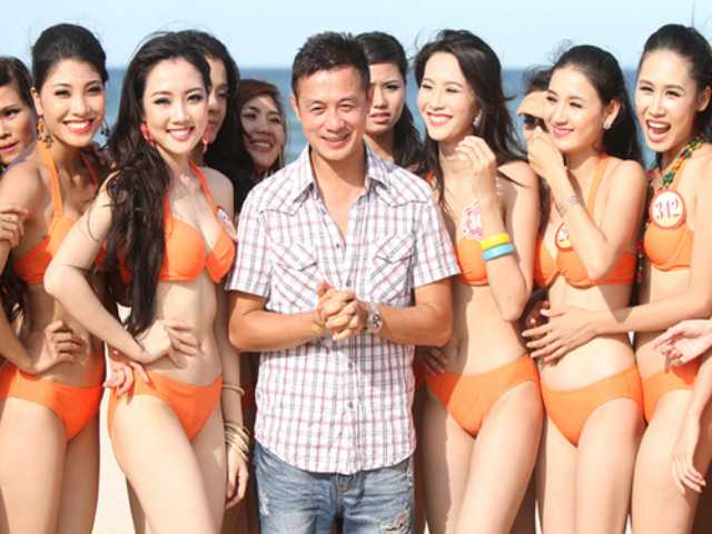 """Đời sống Showbiz - MC VTV là """"công tử Hà thành"""", con trai Phó Giám đốc Nhạc viện Hà Nội"""