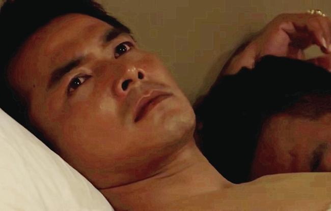 Năm 2020, Quách Ngọc Ngoan gây sốc khi đóng Vực thẳm chiều trôi của nghệ sĩ Hoàng Mập, Trong phim, anh có cảnh nóng đồng tính nam với Hoàng Mập. Nói về cảnh quay này, tài tử họ Quách cho biết họ không gặp khó khăn nào.