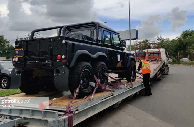 """""""Hàng hiếm"""" Land Rover Defender bản độ 6 bánh về tay đại gia Campuchia - 3"""