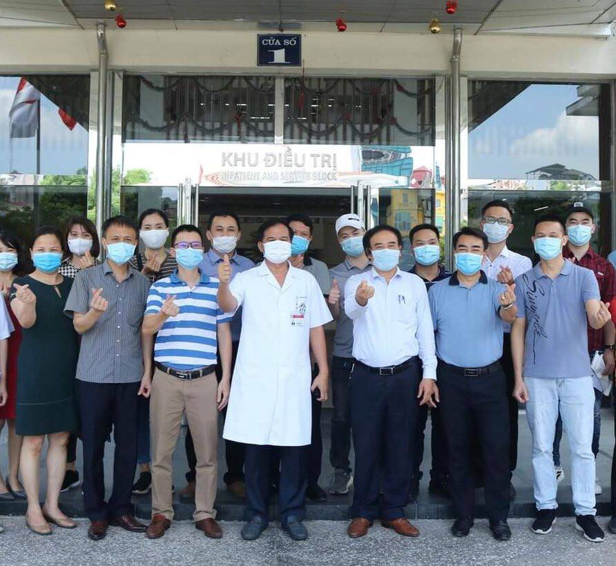 Y bác sĩ BV Bạch Mai và BV ĐH Y Hà Nội lên đường chi viện cho các tỉnh phía Nam - 1