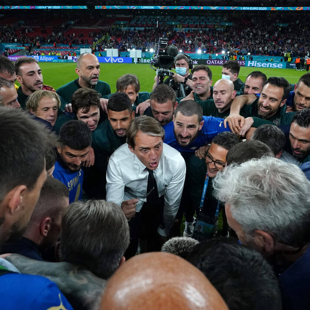 Italia vô địch EURO: Rũ bùn đứng dậy, trở lại làm trùm bóng đá châu Âu - 12