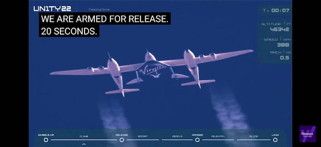Tỉ phú Branson và 5 người bay vào không gian rồi trở lại mặt đất an toàn - 1