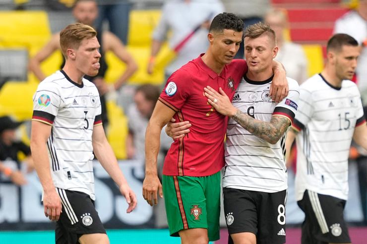 """Đại tiệc 25 bàn & 5 trận đỉnh cao ở EURO: ĐT Đức cho Ronaldo """"khóc hận"""" - 1"""