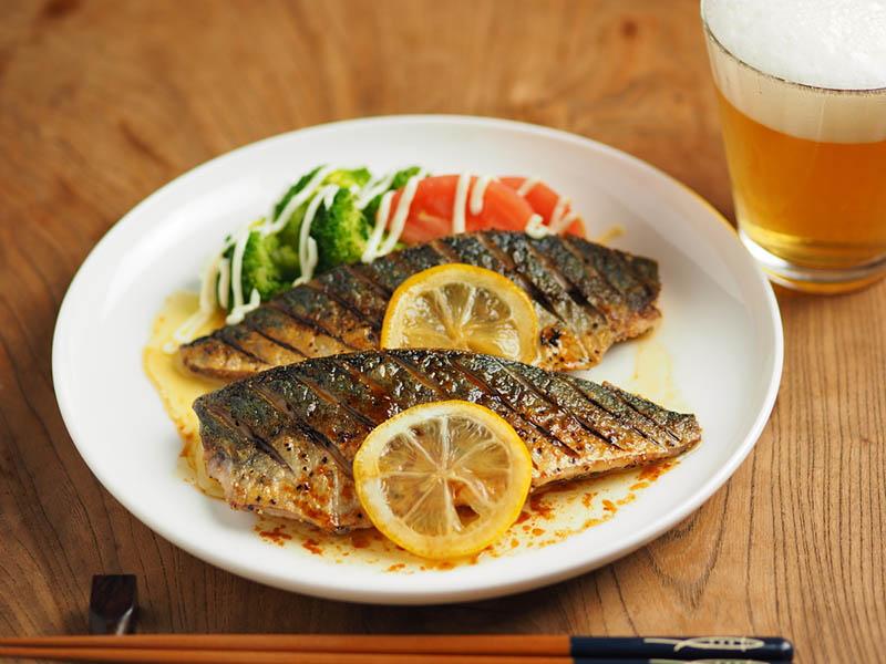 Cách làm cá thu nướng sốt tiêu chanh, món ăn hoàn hảo cho bữa tối - 1