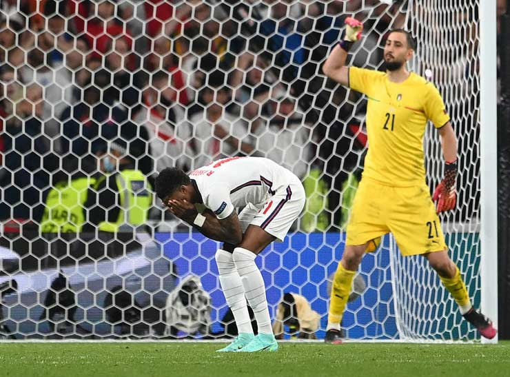 """Góc chiến thuật chung kết EURO: """"Sư tử Anh"""" non nớt thua trí """"Cáo già"""" Italia - 1"""