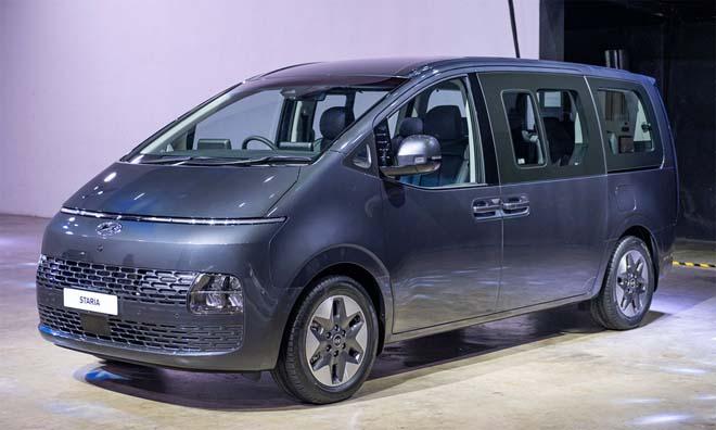 Hyundai Staria 2021 ra mắt với hai phiên bản, giá quy đổi từ 1,22 tỷ đồng - 1