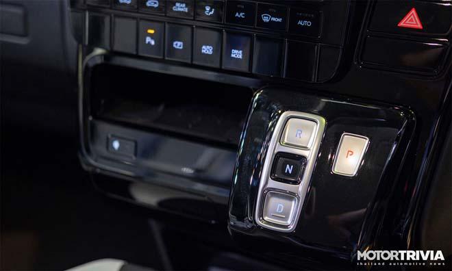 Hyundai Staria 2021 ra mắt với hai phiên bản, giá quy đổi từ 1,22 tỷ đồng - 13