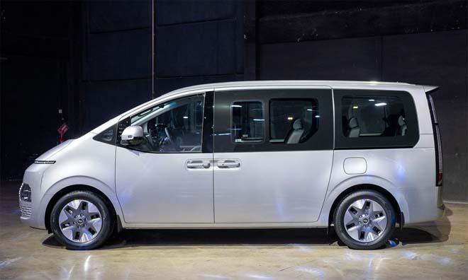 Hyundai Staria 2021 ra mắt với hai phiên bản, giá quy đổi từ 1,22 tỷ đồng - 4