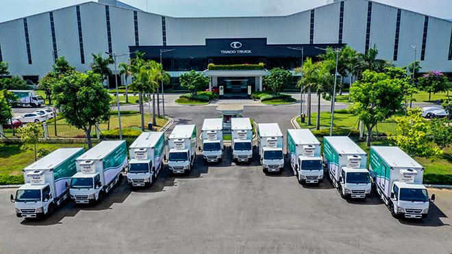 THACO tặng xe tiêm chủng Vaccine lưu động cho các địa phương chống dịch - 1