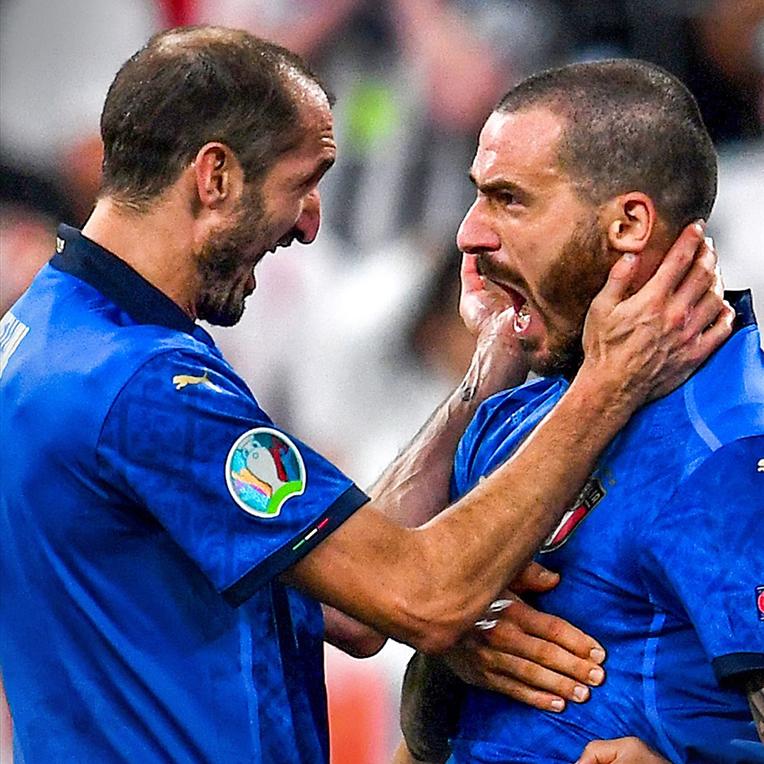 Italia vô địch EURO: Rũ bùn đứng dậy, trở lại làm trùm bóng đá châu Âu - 19