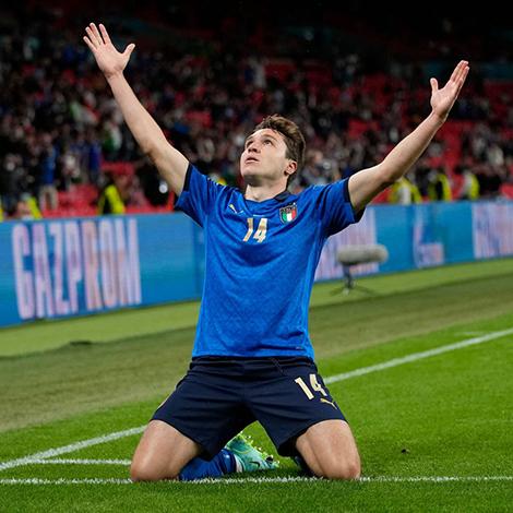 Italia vô địch EURO: Rũ bùn đứng dậy, trở lại làm trùm bóng đá châu Âu - 6