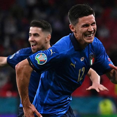 Italia vô địch EURO: Rũ bùn đứng dậy, trở lại làm trùm bóng đá châu Âu - 7
