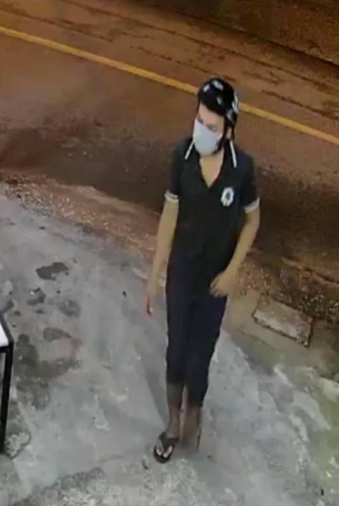 Clip: Cướp ra tay táo tợn ở Hóc Môn, TP.HCM - 1