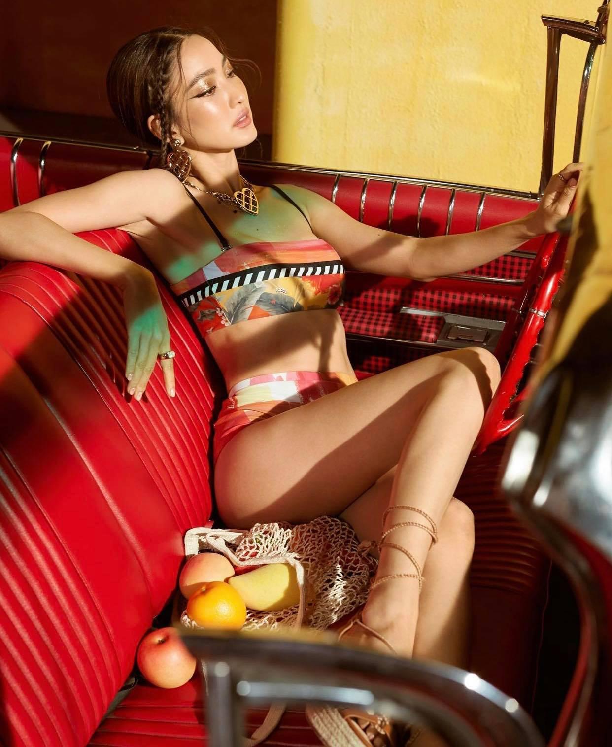"""216417650 129458979251136 2020723795215083754 n 1626159814 336 width1242height1516 """"Nữ thần rắn"""" đẹp nhất Thái Lan """"cắm trại"""" ở phòng tập để có rãnh bụng sâu hun hút"""