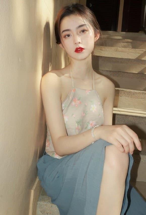 """""""Nữ thần tắm suối"""" Ying Ning có gu mặc khiến người nhìn khó rời mắt - 1"""