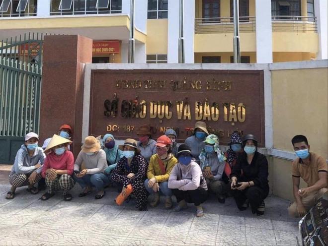 Quảng Bình: Nhiều phụ huynh phản ứng gay gắt về kỳ thi tuyển sinh vào 10 - 1