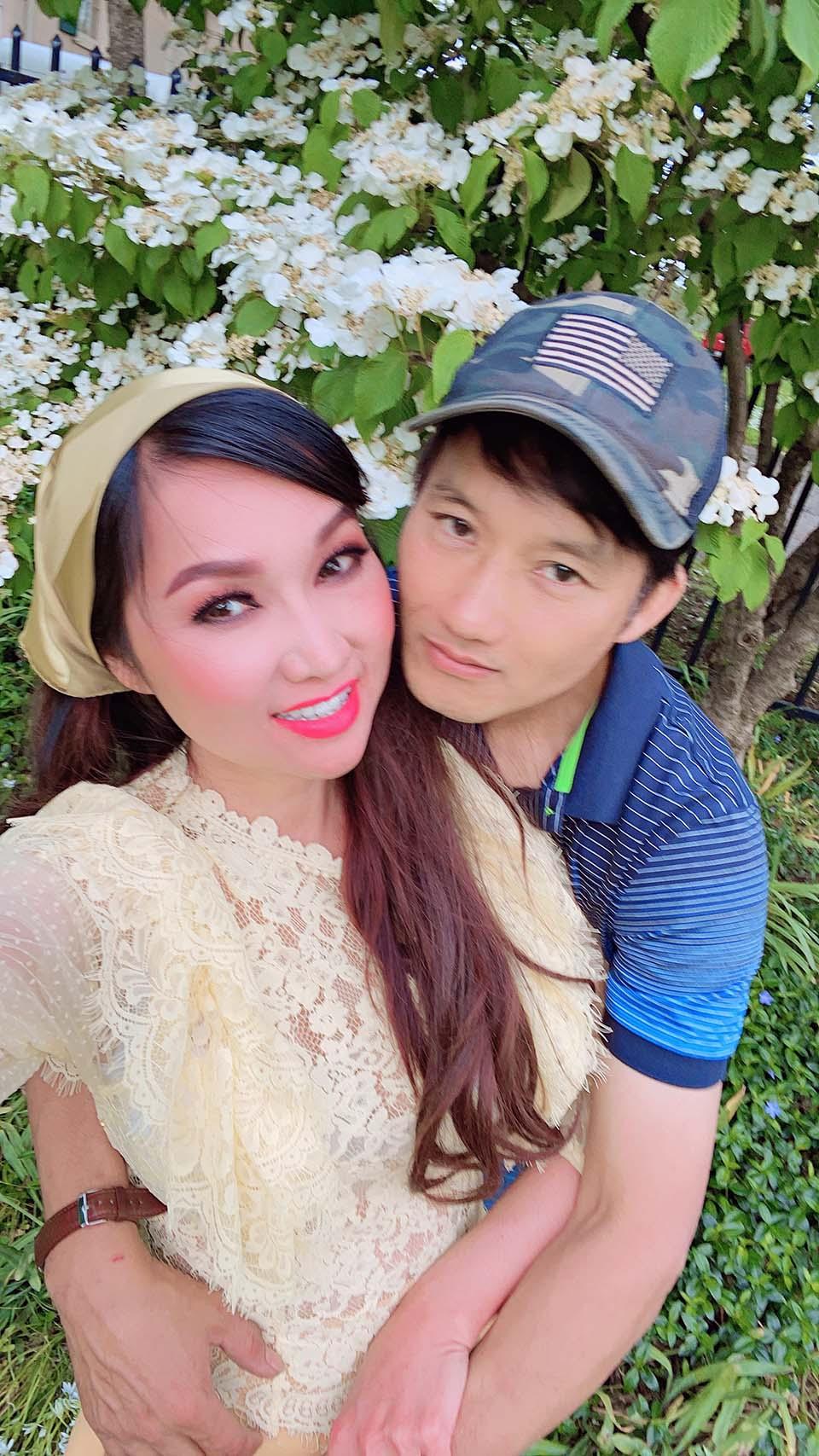 Ca sĩ Kavie Trần sốc vì bạn trai yêu 10 năm đột ngột qua đời - 1