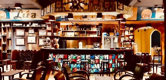 """Khám phá quán cà phê độc nhất vô nhị của """"Đại gia Sài Gòn""""  với hơn 5.000 cổ vật - 1"""