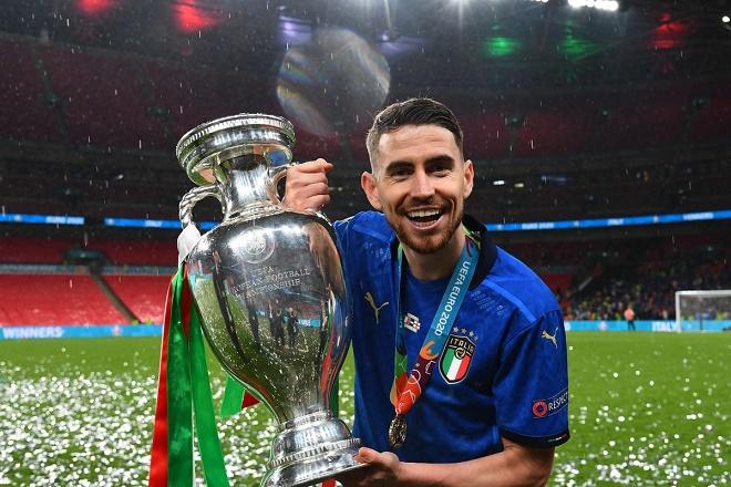 Jorginho vô địch EURO và Cúp C1, nói gì về cơ hội vượt Messi giành QBV - 1