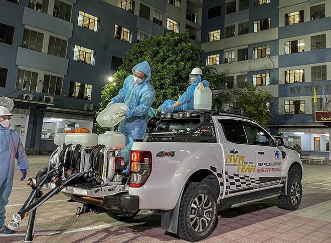 Hàng loạt xe của nhóm PNF tham gia hỗ trợ vận chuyển đồ chống dịch tại TP.HCM - 14