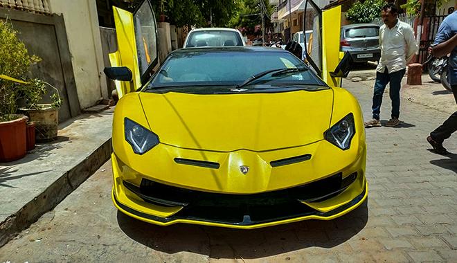 Kỹ sư châu Á biến hình Honda Civic thành Lamborghini Aventador SVJ - 1