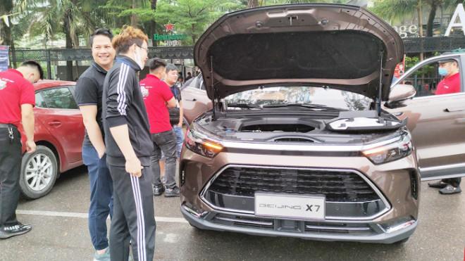 Khóc ròng vì trót mua ô tô Trung Quốc - 1