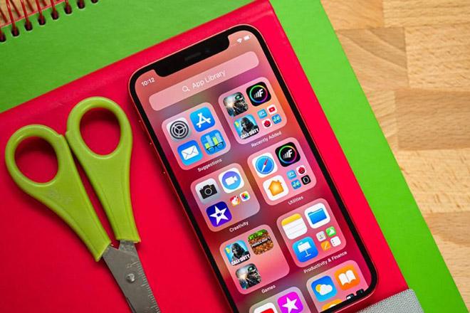 Tại sao Apple chưa khai tử iPhone mini? - 1