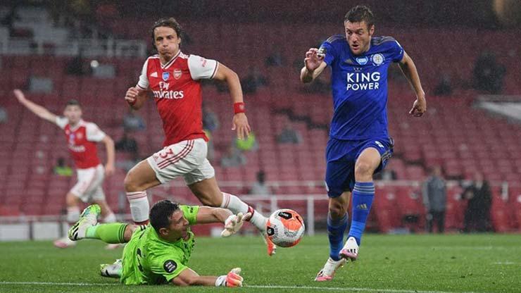 Arsenal và Leicester bùng phát Covid-19: Dàn sao tá hỏa, 2 trận đấu bị hủy - 1