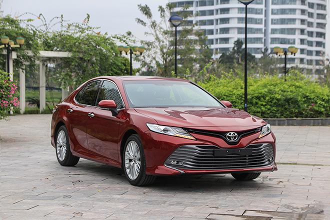 Giá xe Toyota Camry lăn bánh tháng 7/2021 - 1