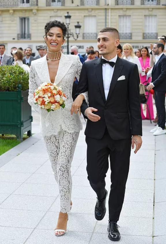 Verratti vô địch EURO cưới người mẫu xinh đẹp, Ibrahimovic hội ngộ dàn sao PSG - 1