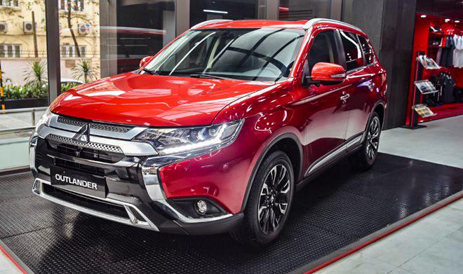 Một số đại lý giảm giá xe Mitsubishi Outlander hơn 100 triệu đồng - 1