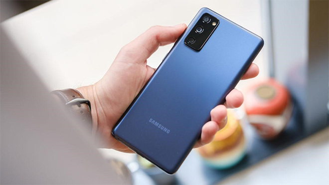 """Ngồi nhà vẫn săn được Samsung Galaxy S20 FE """"deal ngon"""" đến 2,5 triệu tại Thế Giới Di Động - 1"""