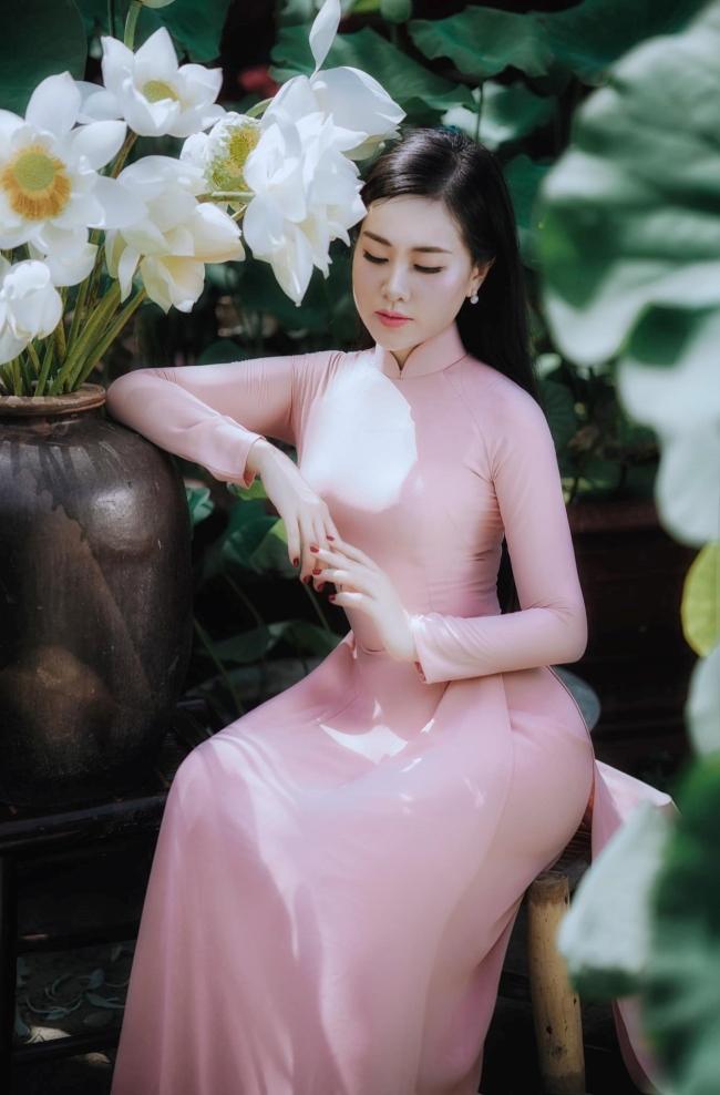 Nữ giảng viên ngành Báo chí - Truyền thông Đại học Vinhcòn từng tham gia thi nhan sắc, lọt top 10 cuộc thi Người mẫu quý bà Việt Nam.