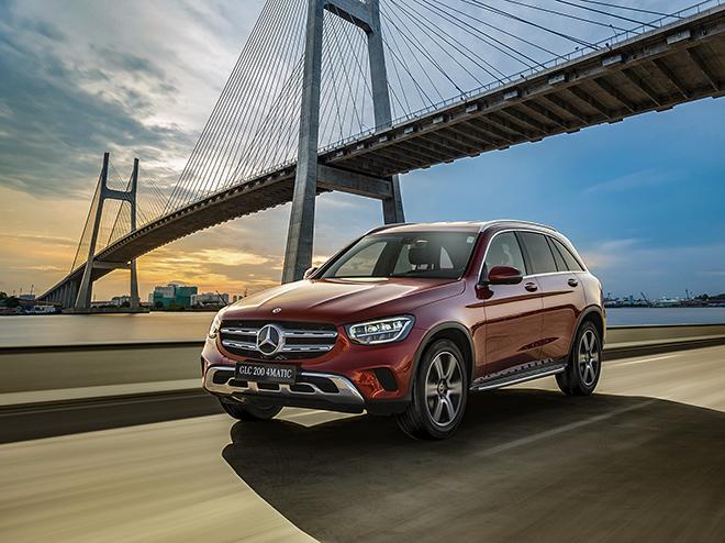 Mercedes-Benz tung ưu đãi lên đến 30 triệu đồng cho dòng xe GLC và E-Class tại Việt Nam - 1