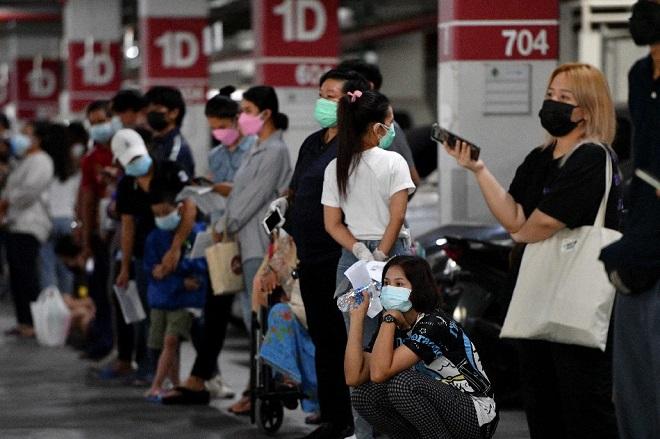 Số ca nhiễm Covid-19 mới cao kỷ lục, quốc gia ĐNA siết chặt phong tỏa - 1
