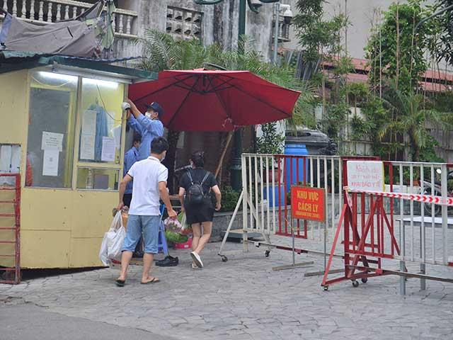 Đi giao hàng ở Hà Nội, người phụ nữ dương tính với SARS-CoV-2 - 1