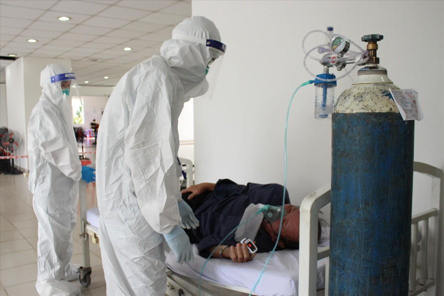 """Bệnh viện điều trị COVID-19 tại TP.HCM ''""""kêu trời"""" vì thiếu máy thở - 1"""