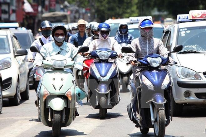 Cần lưu ý gì khi bơm lốp xe máy để di chuyển trong thời tiết nắng nóng? - 1