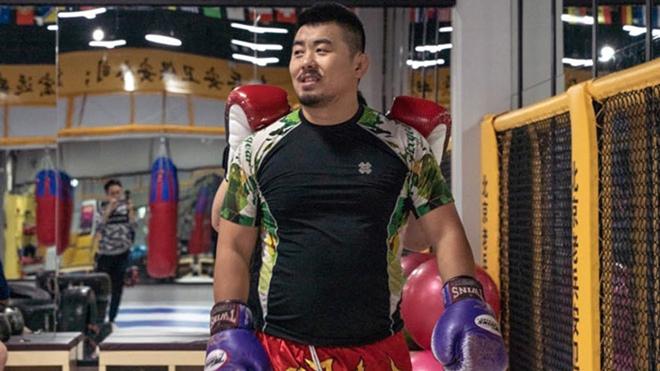 Cực nóng võ Trung Quốc: Từ Hiểu Đông bị võ sĩ Karate knock-out chóng vánh - 1