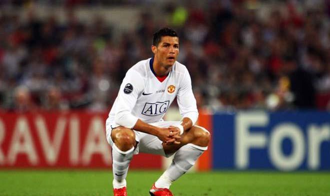 """""""Ông vua con"""" Mbappe muốn """"hóa rồng"""" phải tránh sai lầm của Ronaldo - 1"""