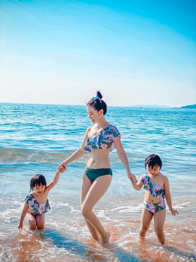 Lê Hà Phương sinh năm 1988 đến từ Nghệ An làgiảng viên, MC xinh đẹp nổi tiếng khắp cộng đồng mạng.