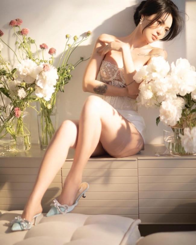 Từng có thời gian Lucie Nguyễn làm người mẫu nhưng sau đó cô lại yêu thích công việc nhiếp ảnh gia.