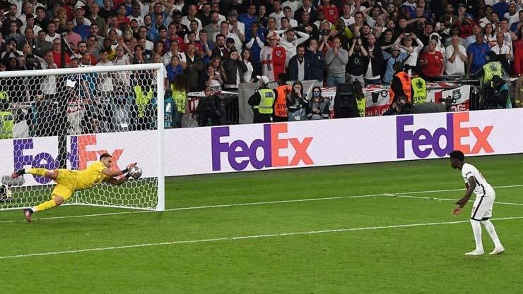 """Người hùng Ý vô địch EURO lộ ảnh nóng bên mỹ nhân """"nấm lùn"""", mơ ăn 4 cùng PSG - 1"""