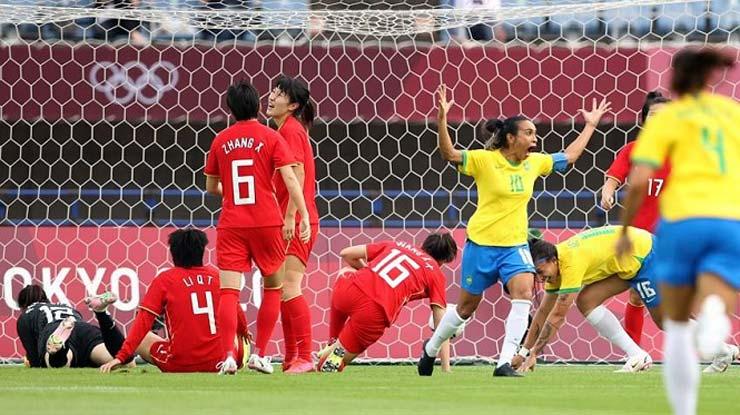 Video ĐT nữ Trung Quốc - Brazil: Vinh danh 2 huyền thoại, mở đại tiệc 5 bàn (Olympic Tokyo) - 1