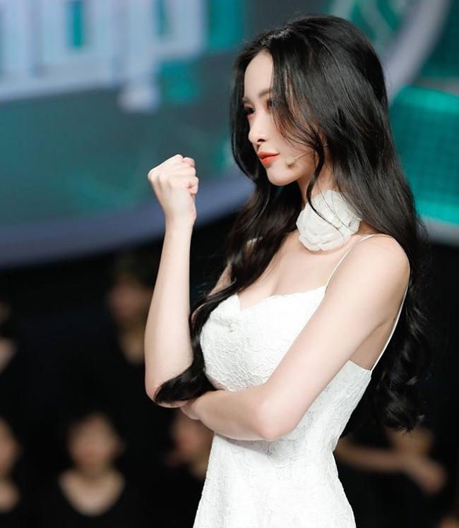 Jun Vũ khởi đầu là một người mẫu ảnh.