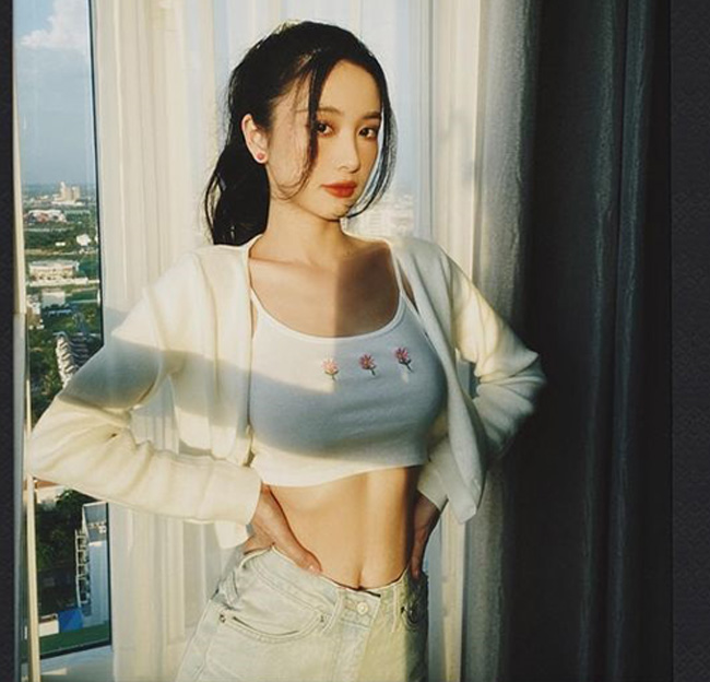 Cô từng là người mẫu quảng cáo nổi tiếng xứ sở chùa Vàng.