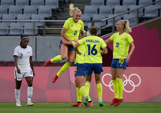 """Video ĐT nữ Thụy Điển - Mỹ: Kịch tính """"chung kết"""" sớm, cú sốc ngày ra quân (Olympic Tokyo) - 1"""