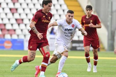 """Video Triestina - AS Roma: Thế trận một chiều, khác biệt từ """"kép phụ"""" (Giao hữu)"""