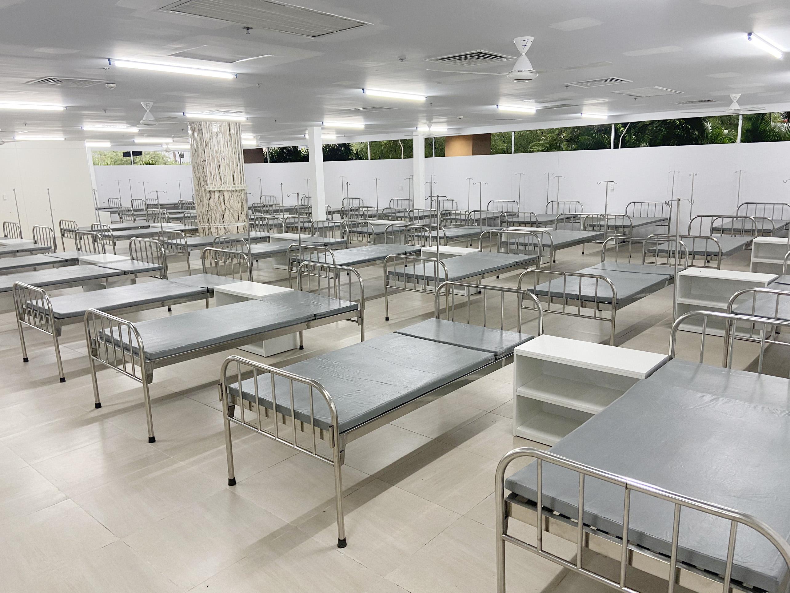 Cận cảnh bệnh viện dã chiến số 5 tại Thuận Kiều Plaza trước giờ tiếp nhận bệnh nhân - 3